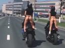 Sexy ride in Moskau - Fährt man nur im String, schauen alle hin