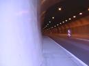 Rohrkrepierer: Sound pur einer HONDA Fireblade im Tunnel