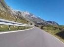 Splügenpass  von Italien kommend hoch auf die Passhöhe in der Schweiz mit BMW R1250GS