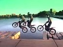 Street Art mit Trial Motorrad - Julien Dupont crazy