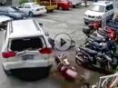 Strike! Einparken können nur Männer - Flurschaden hält sich in Grenzen *lol*
