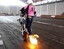 Stunt Girl Mai-Lin in Action auf der Motorradwelt Bodensee 2010