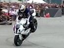 Stuntriding: Supersportler BMW S 1000 RR mit Chris Pfeiffer