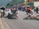 """Faak für Stollenreifen ;-) Hunderte Motorräder """"stürmen"""" Eisenerz - crazy und abgefahren."""