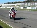 Superbike Yamaha YZF R1 2012 - hört sich böse an (Vorbeifahrt Valencia)
