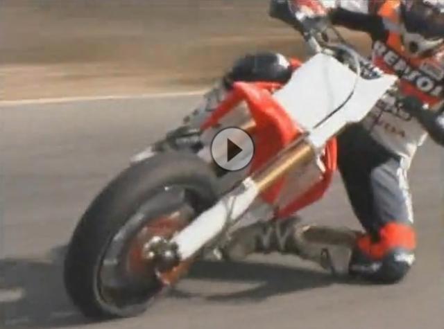 Supermoto Madness Nicky Hayden und Max Biaggi lassens krachen - Der Klassiker auf Youtube und Gaskrank TV: