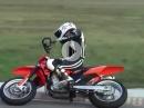 Supermoto mit amputiertem Arm! Geil was der Junge drauf hat! Respekt Rider Baloo