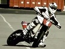 "Supermoto Stunt Video: ""Out of Control"" geniales Video für Sumo-Fans - ankucken"