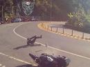 Suzuki GSR 600 Crash. Grund: Slicks - ohne Worte