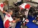Teamarbeit: Neuaufbau von Max Neukirchners Suzuki nach Kiesbettausflug in Magny Cours