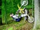 Travis Pastrana Backflip am Baum