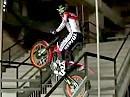 Motorrad Trial - Toni Bou beim Stadionrundgang vom FC Barcelona
