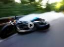 Triumph Crash: Zu schnell, Gegenverkehr, Auto gerammt - Brutal - Fahrer wieder ok
