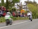 TT 2013 - Isle of Man Crosby Straight: Full Flat über die Kuppe schont die Reifen ...