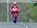 TT 2013 - Isle of Man: Dunlop vs McGuinness - Gladiators Fight - Epic!
