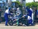 TT2017 Ian Hutchinson Pitstop - Fahrwerkseinstellung macht der Fahrer selbst!