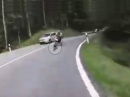 Lucky close call: Wenn Dir in der Kurve das Hinterrad rutscht und es eng wird