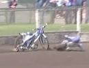 Motorradwahnsinn: Killer Motorrad dreht durch! ES lebt! Nach Speedway Crash rastet Moppedle komplett aus
