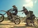 Unglaublich!! Rollstuhlfahrer Ricky James macht einen Backflip mit Motocross Motorrad