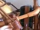 Unglaubliche Detailarbeit: Holzmotorrad - unbedingt anschauen !!