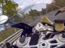 Unglaublicher Save: Auto vs. Motorrad - Nürburgring Nordschleife