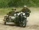 Ural Motorradgespann Russenboxer artgerecht bewegt - the Battlebike