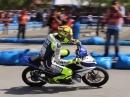"""Valentino Rossi und Yamaha """"Lend a Hand"""" für Taifun-Opfer Yolanda"""