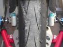 Axfix: Motorrad verladen und verzurren in 2 Min, keine verkratzten Verkleidungen