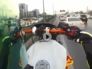 Vollgas Honk: Ist die Straße voll vom Stau, gebe ich die Standspur-Sau