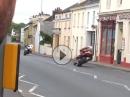 Vollgas Terror für die Ohren: Ortsmitte Kirk Michael 250km/h Blaskonzert - Isle of Man