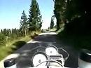 Vue des Alpes Pass im Schweizer Jura im Kanton Neuenburg - bikecam.ch