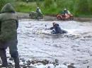 Wasserdichte Ural: Flußüberquerung, Wasser bis zum Hals