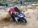 Wasserdurchfahrt - Yamaha in der Flutwelle. Da brauchts Eier