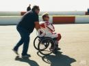 Wayne Rainey fährt wieder! :-) 26 Jahre nach Querschnittslähmung Comeback auf umgebauter R1