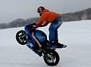 Wheelie auf Eis - Bei Eis und Schnee das Vorderrad in die Höh