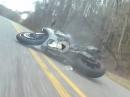 Wheelie Crash: Auto überholt, Wheelie gezogen, abgeflogen, Fahrer OK