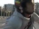 Wheelie Crash: Punktlandung auf der Kamera-Linse - aber ist drauf!