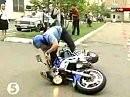 Wheelie mißglückt - Da besteht Nachholbedarf bei der ukrainischen Polizei ;-)