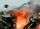Wie entsorge ich ein Motorrad publikumswirksam? Burnout mit Feuerball!