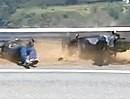 "Doofsider: WIE kann man SO aufs Maul fallen? MV Agusta bei Schrittgeschwindigkeit in ""The Snake"" zerlegt"
