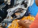 Wie kommt der Mais vom Kolben? Man(n) muss sich nur zu helfen wissen