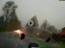 Wolkenbruch: Regenkombi vergessen und ins Gewitter gekommen