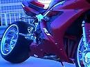FAT Yamaha R1 Breitreifen Umbau - cool in Szene gesetzt