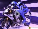Yamaha R1 Motobot - Motorrad Humanoider Roboter - 2015 Tokyo Motorshow
