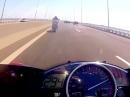 Yamaha R1 vs. R6 vs. Brücke, Vollgas, Glück und kein Seitenwind