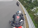Yamaha R6 vs. Suzuki GSX-R 1000 - Top Perspektive (Red.)