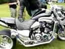 Yamaha V-Max Turbo kann vor Kraft kaum laufen ;-)
