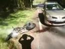 Zu flott?! Vorderradrutscher, Gegenverkehr, Crash ins Auto, Fahrer OK