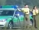 300 km/h - zu schnell fürn Blitzer?! Polizei kuckt dumm, um die Ecke rum!