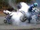 Zwergenaufstand: Burnout Suzuki GSX-R vs. Minibike